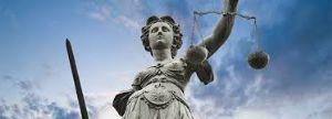 PENALE/Illegittimo vietare al fallito per 10 anni il diritto di impresa